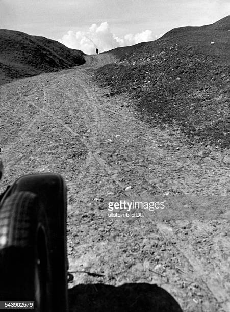 Germany Free State Prussia East Prussia Province Masuria view at a dirt road 1934 Photographer Seidenstuecker Vintage property of ullstein bild