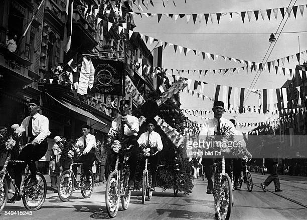 Germany Free State Prussia RhineProvince Cologne 14th German Gymnastics Festival Deutsches Turnfest 25 Cologne Cyclists of the Diamant Cycling Sports...
