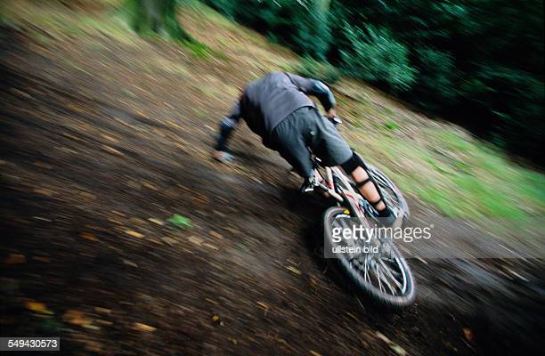 Free time Bicyclists in the wood he is falling