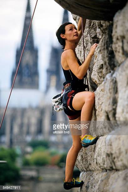 DEU Germany Free time young peoples near climbing