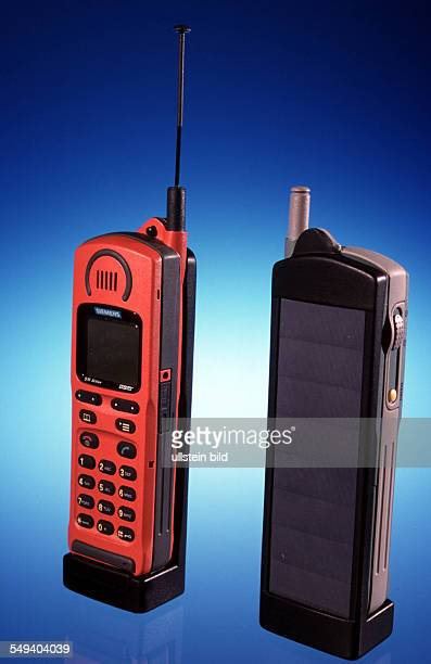 DEU Germany Freiburg 1999 Cellular phone with high powered solar cells of Fraunhofer Institute for Solar Energy