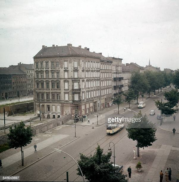 Germany / GDR Berlin The building of the wall Walled up windows in houses at Bernauer Strasse August 1961