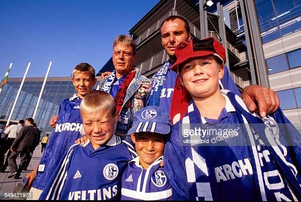DEU Germany Gelsenkirchen Schalke 04 Arena Opening event fanatics in front of the arena
