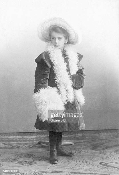 Germany girl with muff 1905