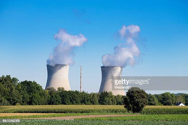 germany, gundremmingen, gundremmingen nuclear power plant - cooling tower stock pictures, royalty-free photos & images