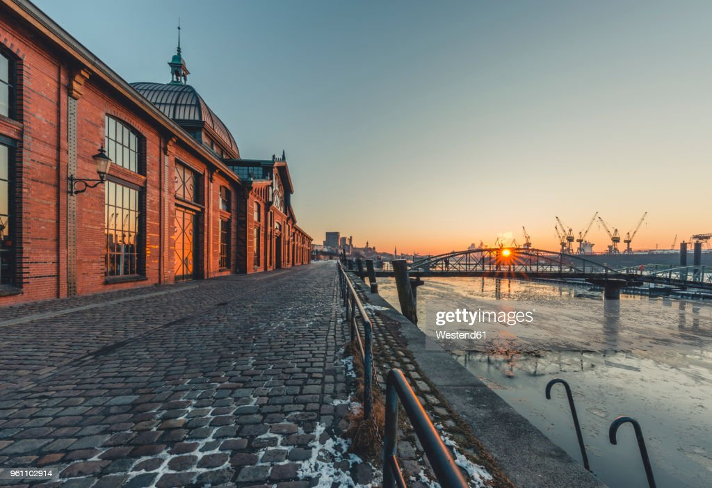 Germany, Hamburg, Altona, fish market hall at sunrise : Stock Photo