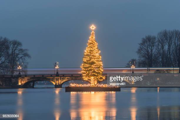 Germany, Hamburg, Binnenalster, Christmas tree, Lombard Bridge