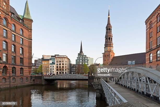 Germany, Hamburg, Bridge and church in Speicherstadt