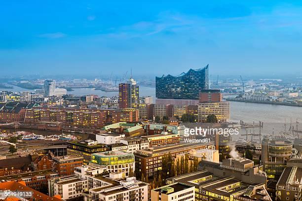 Germany, Hamburg, Cityscape with Elbe Philharmonic Hall