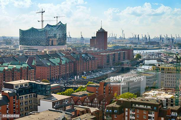 Germany, Hamburg, cityscape with Speicherstadt and Elbphilharmonie