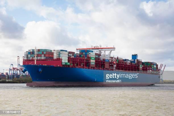germany, hamburg, container ship - エルベ川 ストックフォトと画像