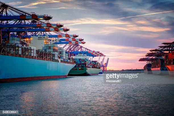Germany, Hamburg, container ships in harbor
