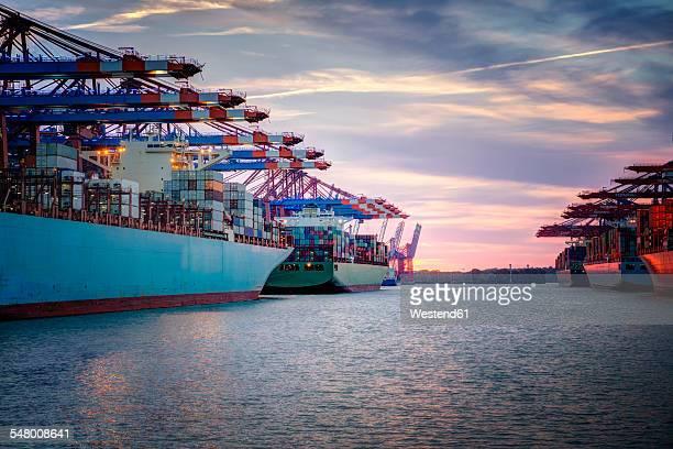 germany, hamburg, container ships in harbor - hafen stock-fotos und bilder