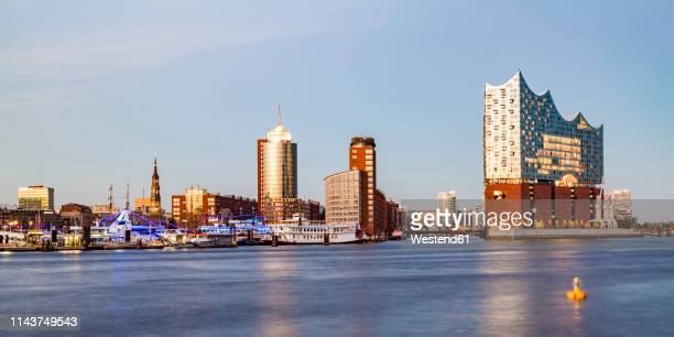 germany, hamburg, elbe philharmonic hall and hafencity - amburgo foto e immagini stock