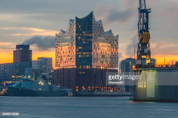 germany, hamburg, hafencity, elbe philharmonic hall at sunrise - hamburg germany stock pictures, royalty-free photos & images