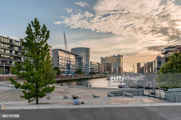 germany, hamburg, hafencity, magellan terraces and view to elbe philharmonic hall - hamburg germany stock pictures, royalty-free photos & images