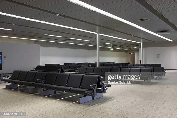 Germany, Hamburg, Hamburg Airport, waiting area in terminal