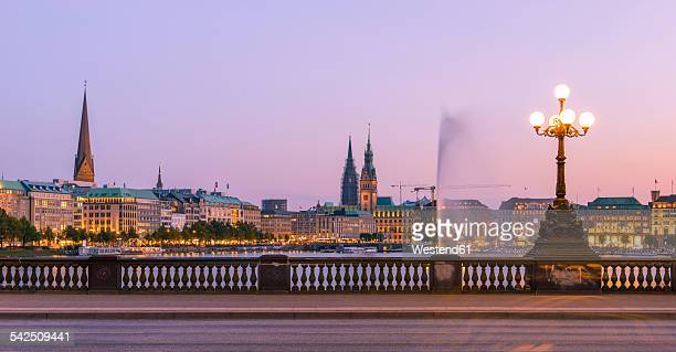 Germany, Hamburg, Inner Alster Lake, View from the Lombard bridge in the evening