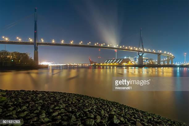 germany, hamburg, koehlbrand bridge at night - köhlbrandbrücke stock photos and pictures