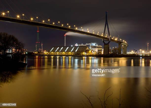 germany, hamburg, koehlbrandbruecke over koehlebrand at night - köhlbrandbrücke stock photos and pictures