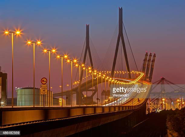 germany, hamburg, kohlbrand bridge at night - köhlbrandbrücke stock photos and pictures