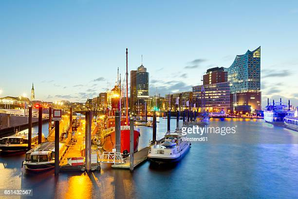 germany, hamburg, niederhafen in the evening - elbphilharmonie stock pictures, royalty-free photos & images