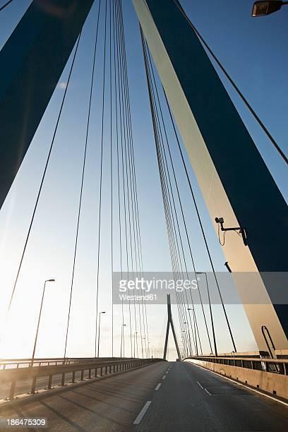 germany, hamburg, view of kohlbrand bridge - köhlbrandbrücke stock photos and pictures