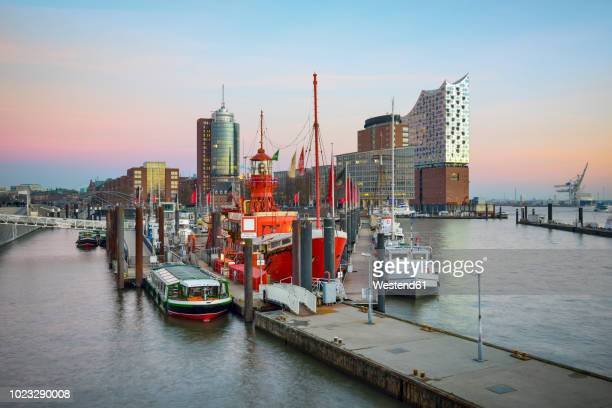 Germany, Hamburg, view to Hanseatic Trade Center and lbe Philharmonic Hall in the evening