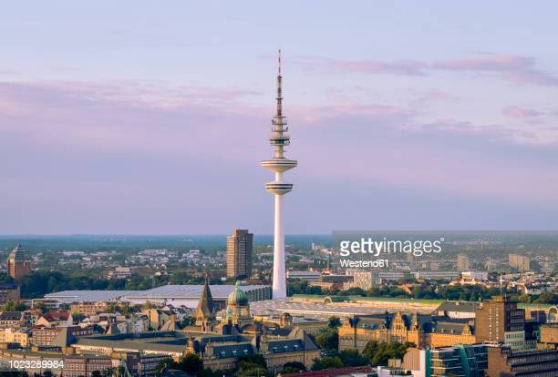 germany, hamburg, view to heinrich-hertz-tower in the evening - hertz stock pictures, royalty-free photos & images
