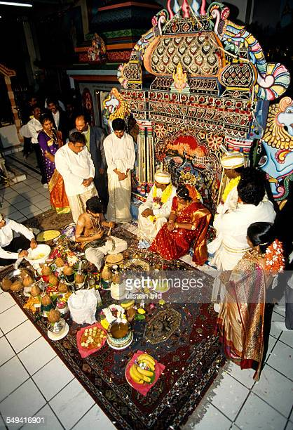 HinduTamils in Germany Wedding ceremony in the Sri Sithivinayagar Temple