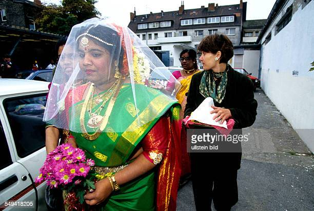 HinduTamils in Germany Weeding ceremony the bride on her way to the Sri Sithivinayagar Temple