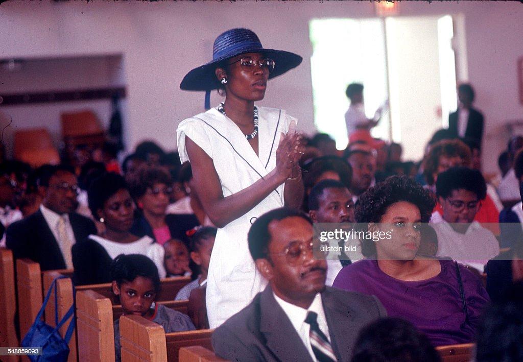 Germany Hesse Frankfurt am Main - American in Frankfurt, Black Pentecostal church - 30.06.1988 : News Photo