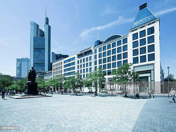 germany, hesse, frankfurt, buildings at goetheplatz and rossmarkt - städtischer platz stock-fotos und bilder