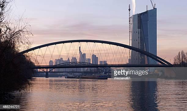 Germany, Hesse, Frankfurt, New Osthafenbruecke with new ECB building