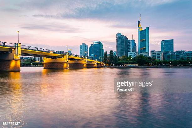 germany, hesse, frankfurt, sykline, financial district in the evening - bankenviertel stock-fotos und bilder