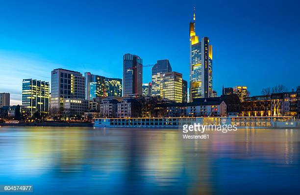 Germany, Hesse, Frankfurt, View from Schaumainkai, Skyline with bank buildings in the evening