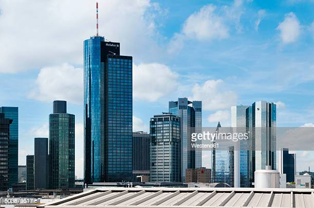 germany, hesse, frankfurt, view of the financial district - skyscraper foto e immagini stock