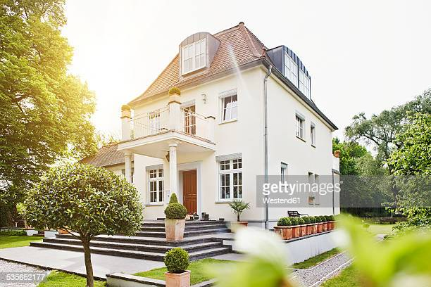 Germany, Hesse, Frankfurt, View of villa with garden