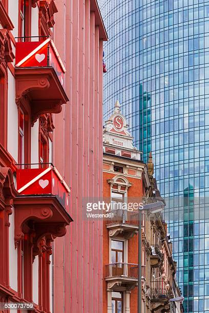 germany, hesse, frankfurt, view to old buildings at red light district in front of modern office building - frankfurt red light district stock-fotos und bilder