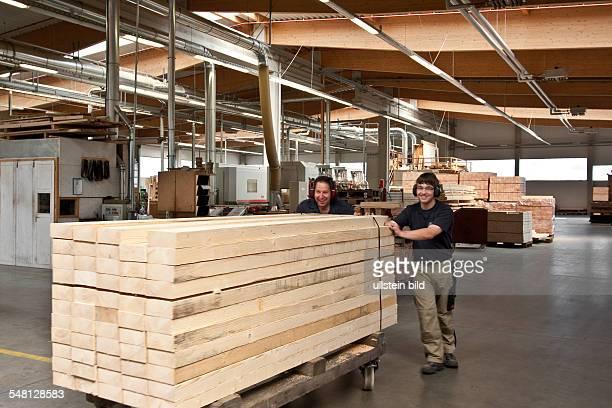 Menz Holz Bilder und Fotos | Getty Images