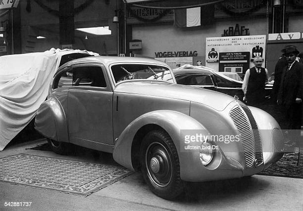 Germany International Motor Show 1933 twoseater streamlined shape7 liter MercedesBenz engine body by Erdmann Rossi 1933