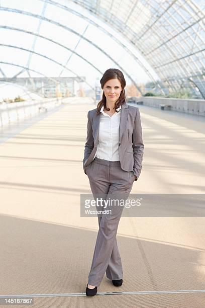 Germany, Leipzig, Bussinesswoman smiling, portrait