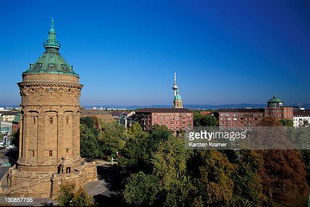 DEU, Germany, Mannheim: Watertower, the major sight of the city, erected by the architect Gustav Halmhuber from 1886-1889 in the roman monumental style, the tower is still used as water reservoir, the historical tower is part of the Friedrichsplatz, one of