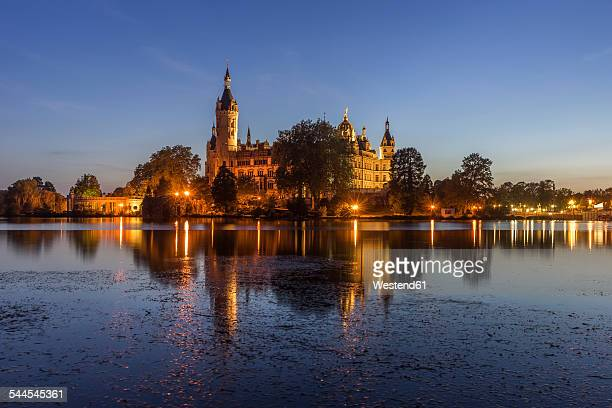 Germany, Mecklenburg-Vorpommern, Schwerin, castle in the evening