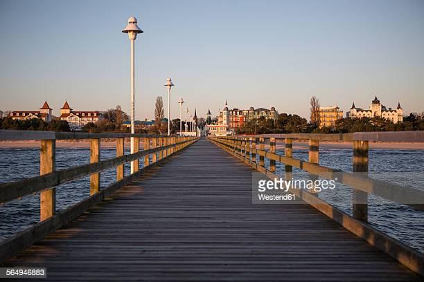 germany, mecklenburg-western pomerania, baltic sea, pier of zinnowitz at dawn - ウセドム ストックフォトと画像