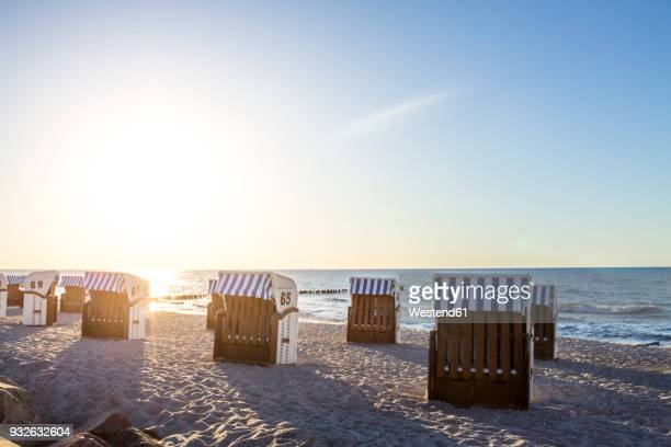 germany, mecklenburg-western pomerania, baltic sea seaside resort kuehlungsborn in the morning - mecklenburg vorpommern stock pictures, royalty-free photos & images