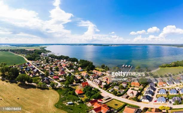 germany, mecklenburg-western pomerania, mecklenburg lake district, aerial view of fleesensee and lake fleesensee - fleesensee stock-fotos und bilder