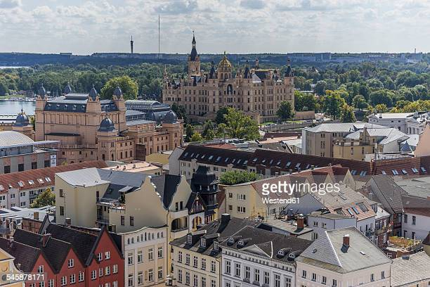 Germany, Mecklenburg-Western Pomerania, Schwerin, Cityscape, View to Mecklenburg State Theatre and Palace