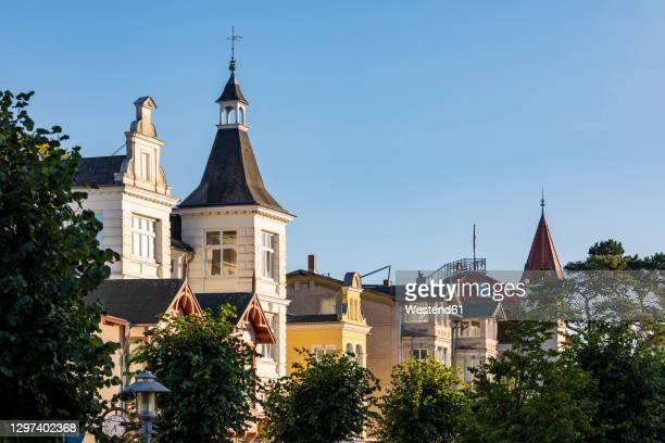 germany, mecklenburg-western pomerania, zinnowitz, hotels of resort town - ツィノヴィッツ ストックフォトと画像