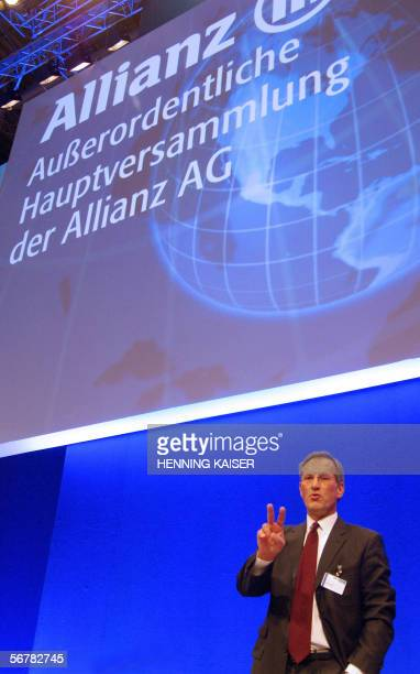 Michael Diekmann chairman of German insurance giant Allianz gestures at the beginning of an extraordinary general meeting 08 February 2006 in...